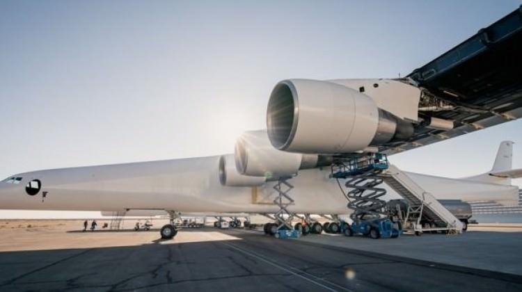 Dünyanın en büyük uçağı ilk uçuşunu yapacak