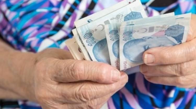 Emekli maaşlarına dört koldan iyileştirme!