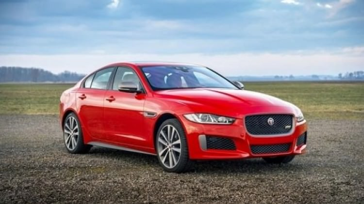 Jaguar, özel modeli XE 300 Sport'u tanıttı