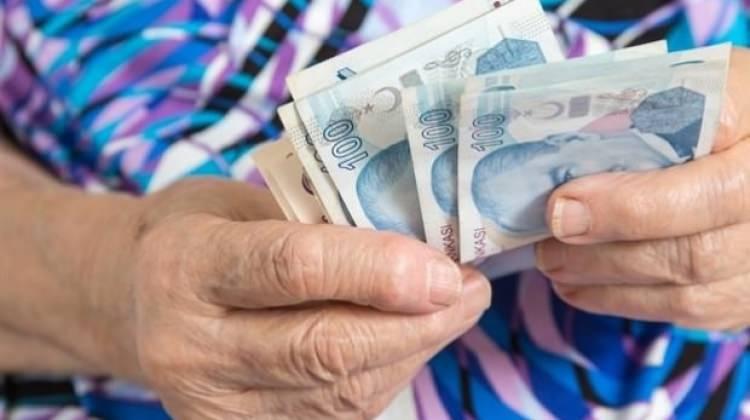 Emekliye 600 lira! Tek şartı var