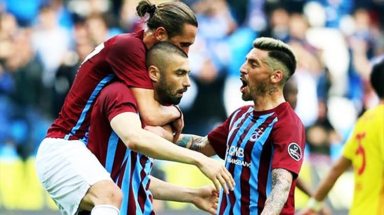Trabzonspor'da ilk ayrılık! Sezon sonu...