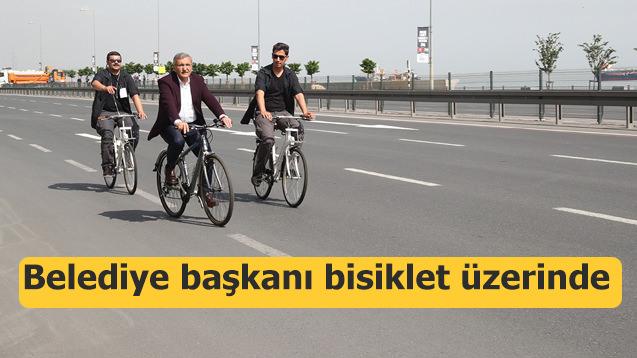 Belediye başkanı bisikletle 200 km yol gitti