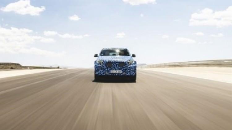 Yeni Mercedes kamuflajlı görüntülendi!