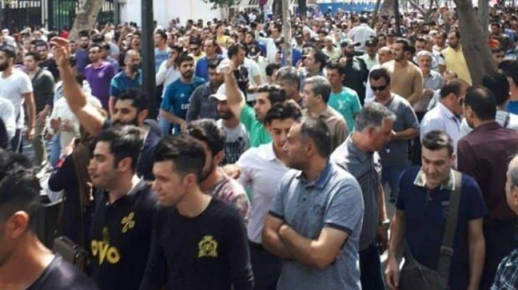 İran karıştı! Greve başladılar