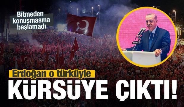Erdoğan türkü bitmeden konuşmasına başlamadı