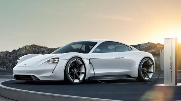 Porsche'den Tesla'ya inat herkese açık hızlı şarj