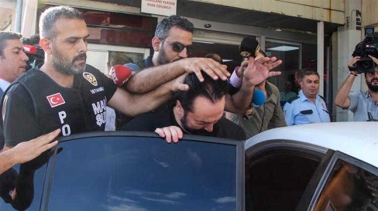 Ünlü gömlekçi gözaltına alındı!