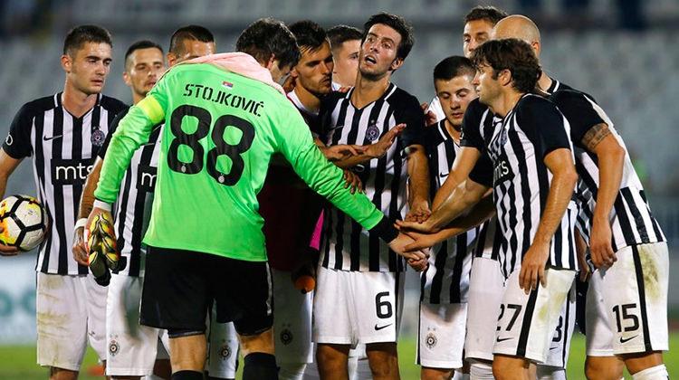 Beşiktaş maçı öncesi Sırplardan flaş karar!