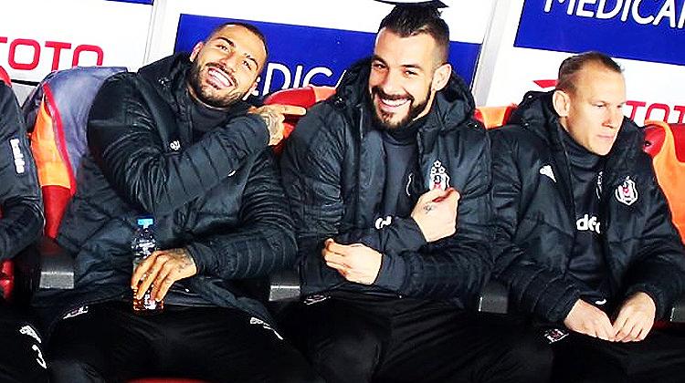 Beşiktaş'ta iki ayrılık bir transfer!