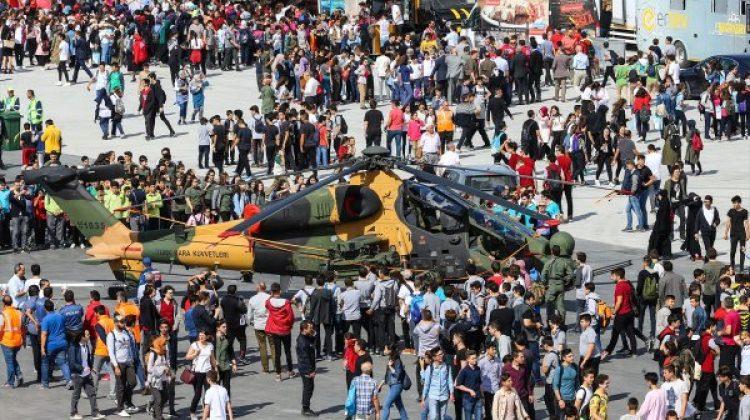 TEKNOFEST İstanbul'un ikinci gününde de yoğun ilgi