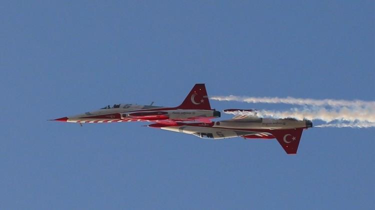 Türk Yıldızları'ndan Boğaz'da muhteşem gösteri!