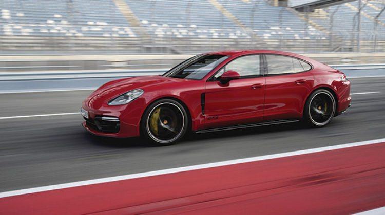 2019 Porsche Panamera GTS yüzünü gösterdi!