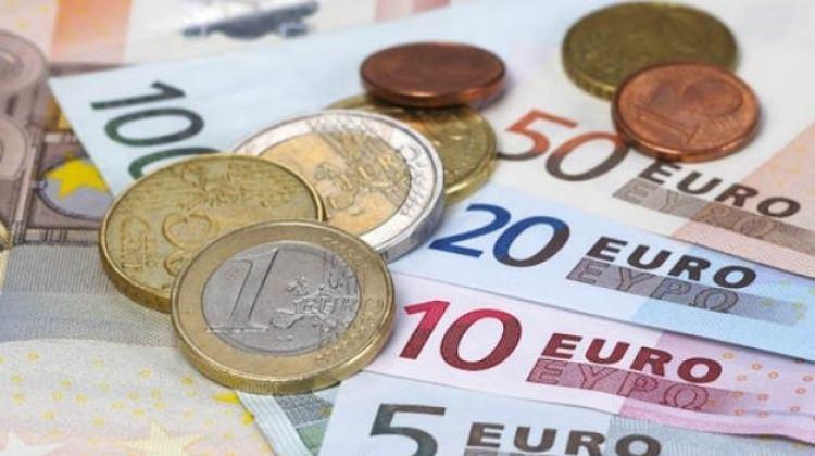 Avro Bölgesi'nde yıllık enflasyon yüzde 2'yi aştı