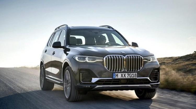 BMW'nin yeni canavarı yollara çıktı!