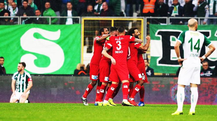 Bursaspor'a sahasında büyük şok!