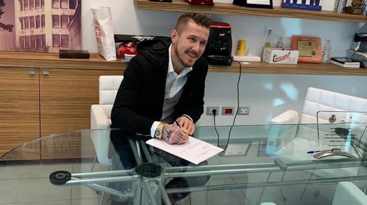 Trabzonspor Kucka'yı KAP'a bildirdi!