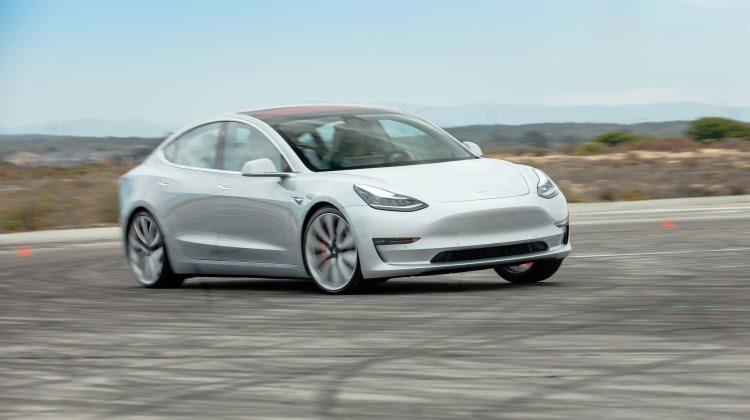 Tesla'nın Model 3 araçları Avrupa'dan onay aldı