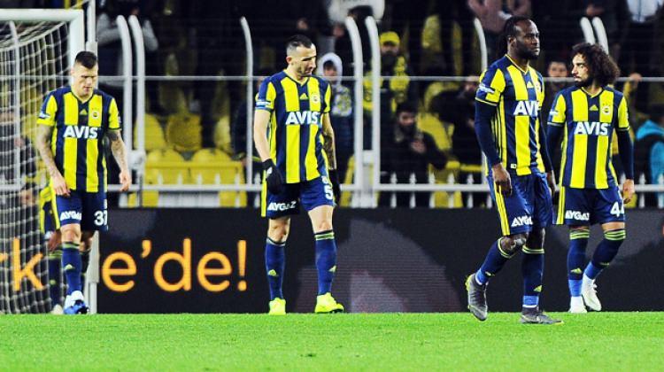 Fenerbahçe 10 kişilik Konyaspor'a takıldı!