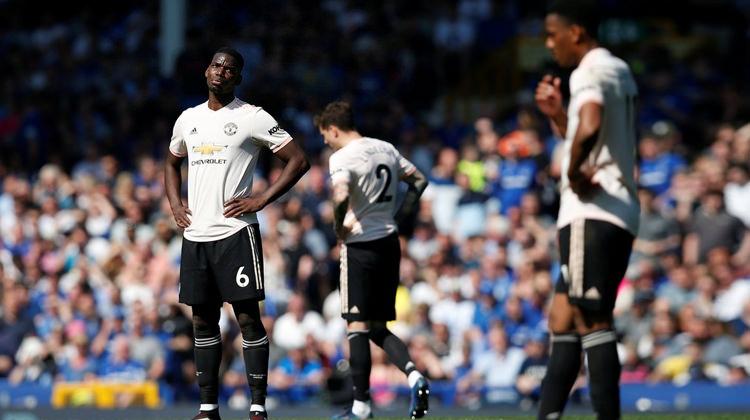 Everton ManU'yu parçaladı! Tarihi mağlubiyet