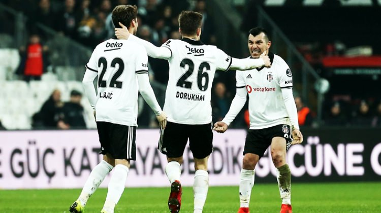 Beşiktaş'ta deprem! Sezonu kapattı