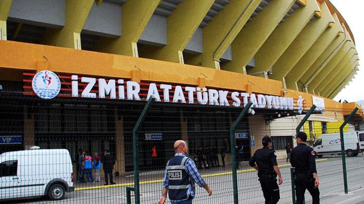 İzmir Atatürk Stadı'nda hırsızlık skandalı!