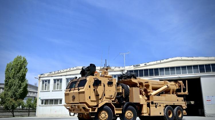 """Zırhlı askeri araçların """"cankurtaran""""ı kışla yolunda"""