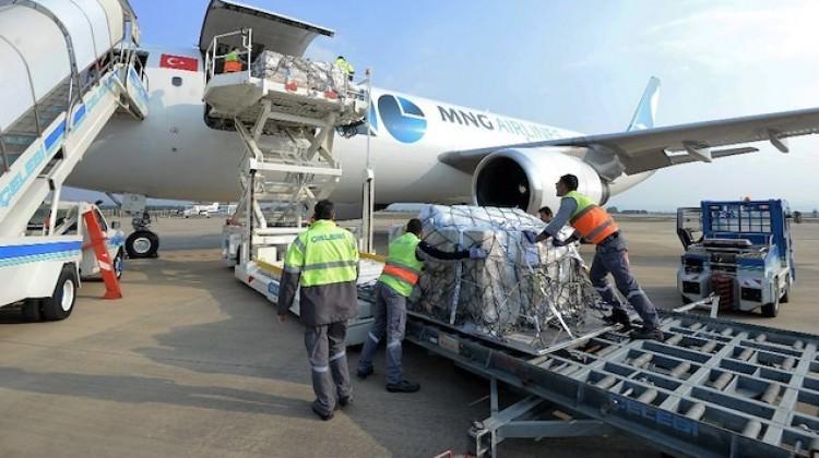 Fransa'ya uçakla 1 ton baklava gönderdi