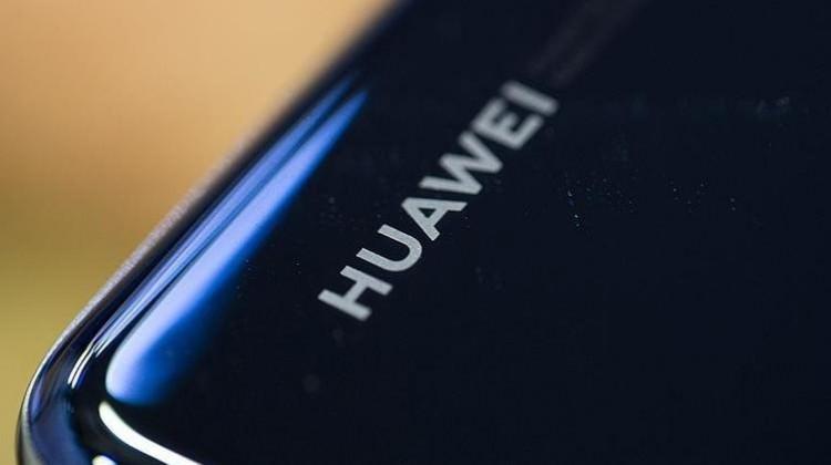 Huawei'den Google açıklaması! O firmalar da sırt döndü