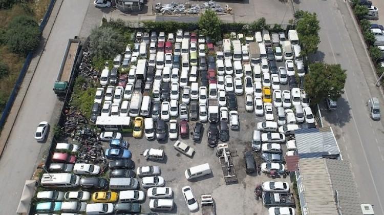 25 bin araç çürümeye terk edildi