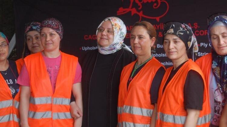 Bakan Selçuk: Çalışma koşullarını iyileştirmeye çalışıyoruz