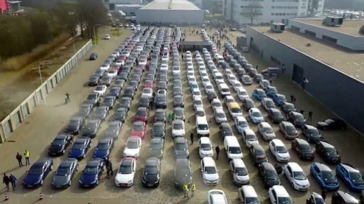 Dizelin sonu geliyor! 11 milyon elektrikli araç trafiğe çıkacak