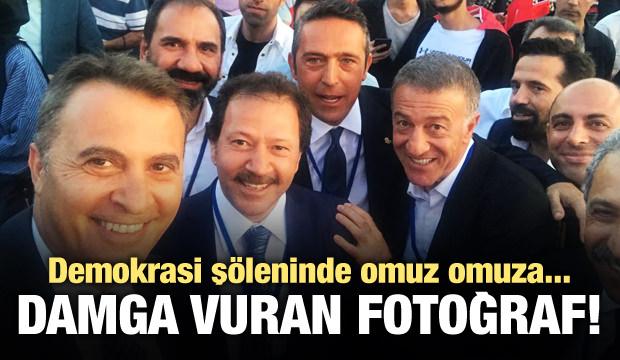 Demokrasi şöleninde güne damga vuran fotoğraf!