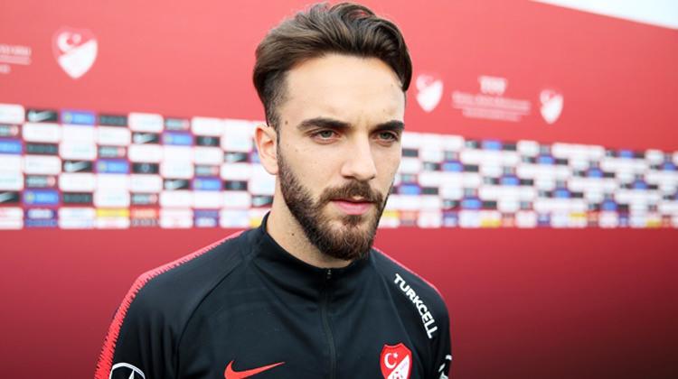 'Türkiye'de futbol oynamak istiyorum...'