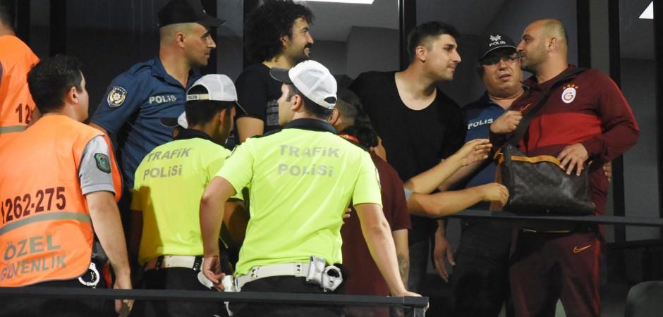 Denizli'de maç bitti ortalık karıştı!