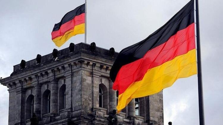 """Bundesbank'tan """"resesyon"""" uyarısı"""