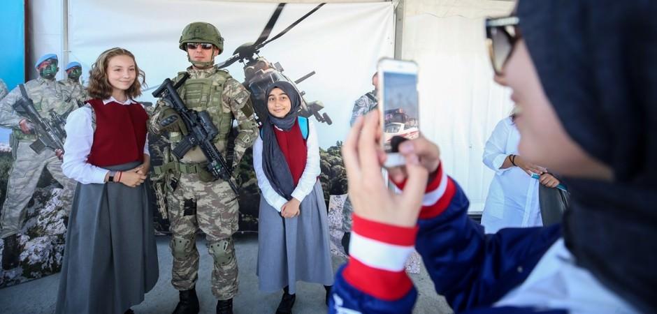 TEKNOFEST'te polis ve askere yoğun ilgi