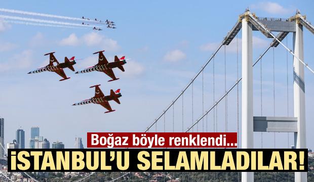 Heyecanlandıran anlar! Türk Yıldızları İstanbul Boğazı'nda...