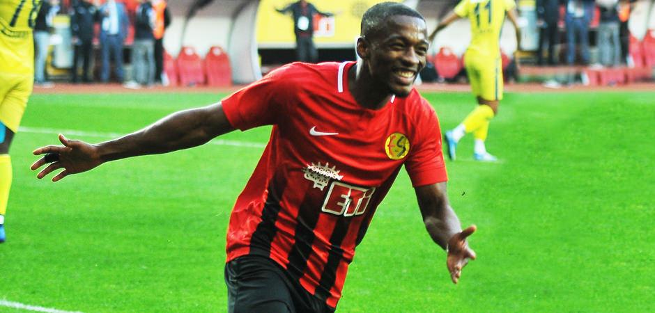 Hocası açıkladı! 'Galatasaray ve Fenerbahçe'nin listesinde'