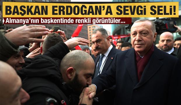 Başkan Erdoğan'a Berlin'de sevgi seli!