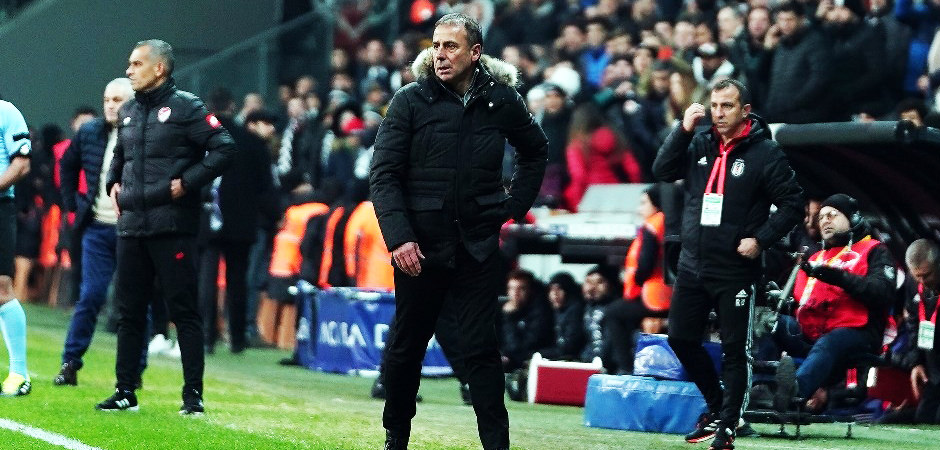 Beşiktaş'ta 'istifa' ve 'Sergen Yalçın' sesleri!