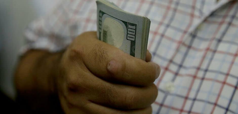 Dolar 6.10 üzerini test etti