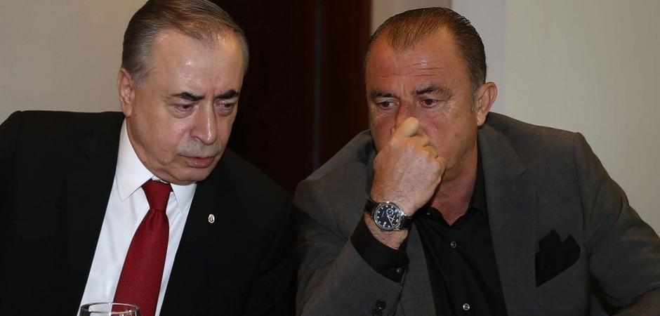 Galatasaray'dan futbolculara 2 seçenek!